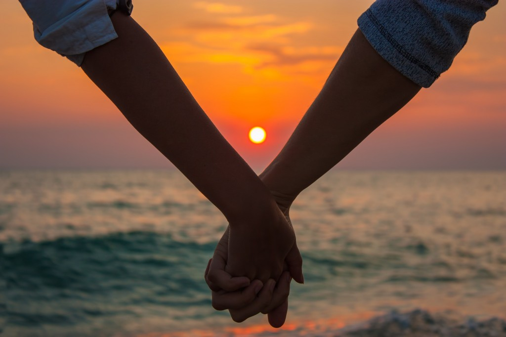 sea-nature-sunset-hands-love-wallpaper-1